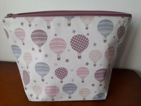 Trousse de toilette – montgolfière – tons rose violet bleu