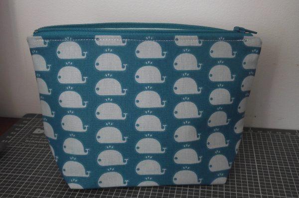 Trousse de toilette – baleines – tons bleu et vert d'eau
