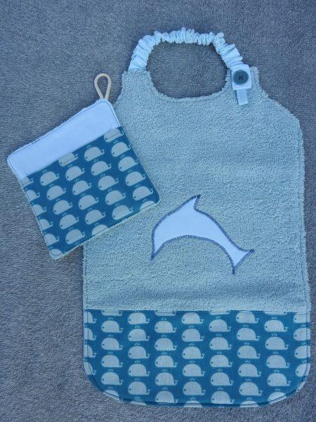 Bavoir XXL et sa débarbouillette assortie – baleines – tons bleu et vert d'eau