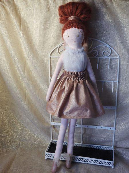 Les poupées collection «spéciales fêtes» – la rousse – 100% création.